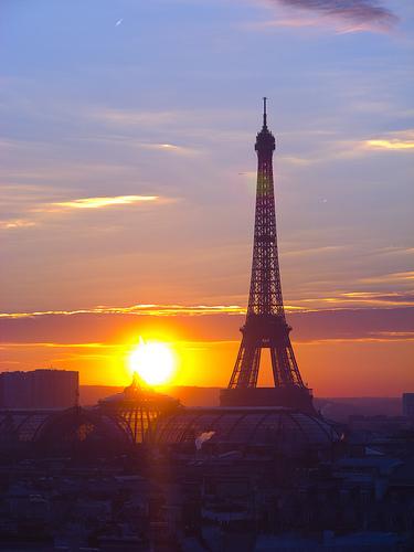 Eiffelovka při západu